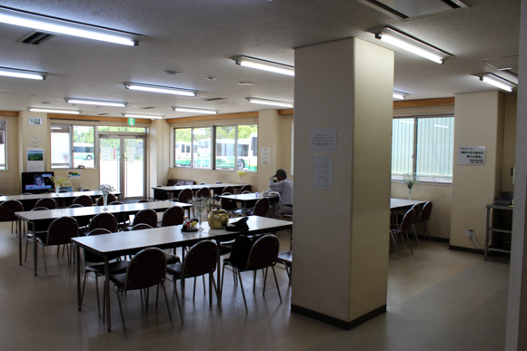 高槻市営バス食堂1
