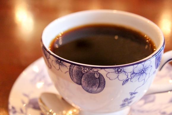高槻にある和洋折衷な喫茶店『リザルブ』