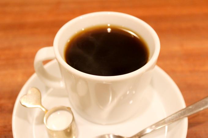 高槻市の芥川商店街にあるカフェギャラリー『登美屋』