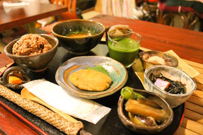 体に優しい料理を高槻で食べる『陶芸&オーガニックカフェ寿』