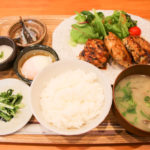 JR高槻駅西口から数秒!美味しい家庭料理『HATSUNE』で日替わりランチ!