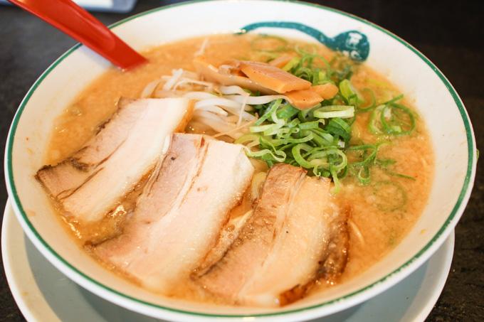 【高槻市】こってりなのにあっさりな美味しいラーメン『麺長(めんおさ)』