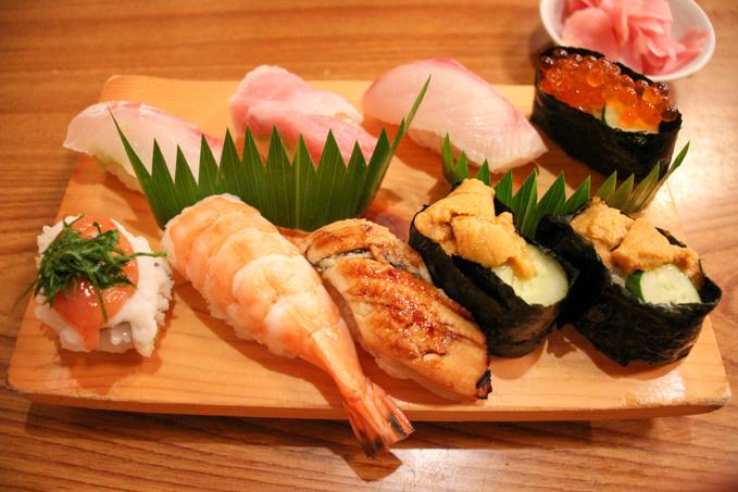 夜中まで営業!色々なシーンで利用できる高槻の美味しいお寿司屋さん『すし処 宏』