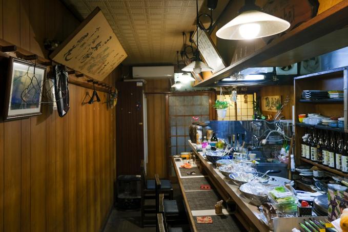 JR高槻駅からすぐ!昭和の雰囲気が色濃く残るアットホームな居酒屋『孫兵衛』