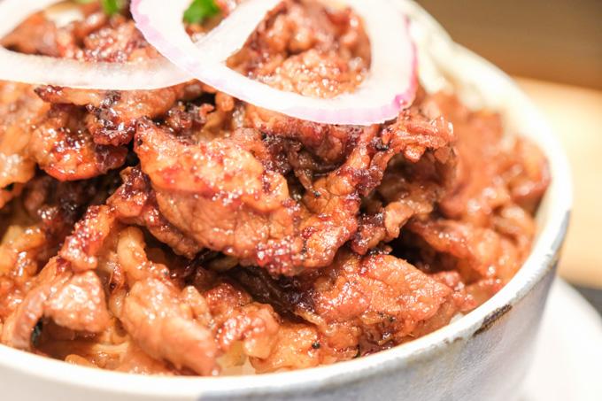 【高槻市】炭火で焼いた美味しいお肉を楽しめるお店『あぶり肉丼えんじゅう屋』