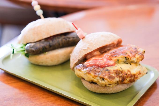 JR高槻駅近くのカフェ『歌笛堂』で楽しむ自家製パンのランチ&手作りお菓子